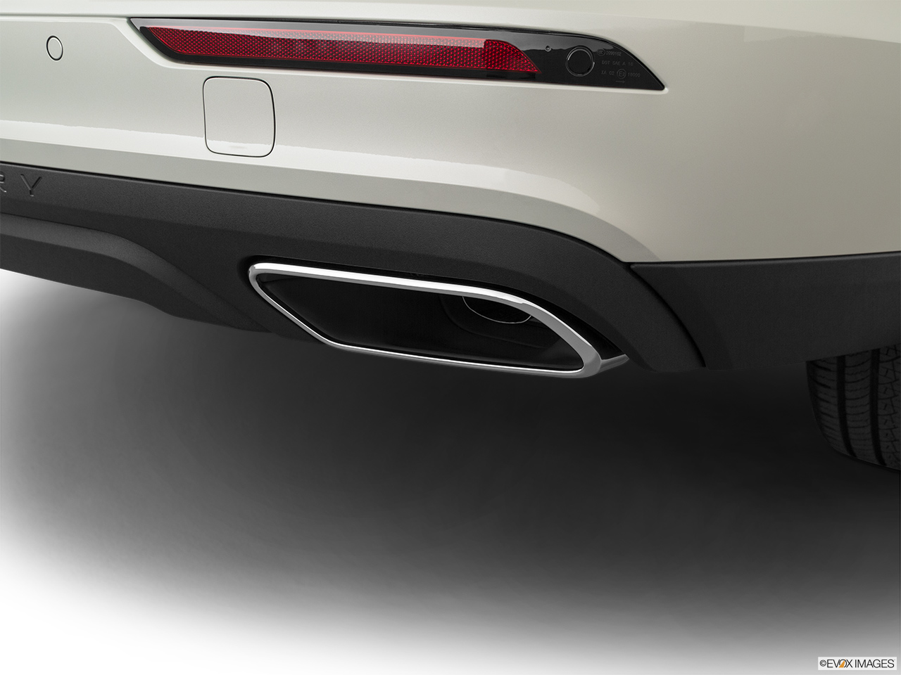 2020 Volvo V60 Cross Country T5 AWD Chrome tip exhaust pipe.