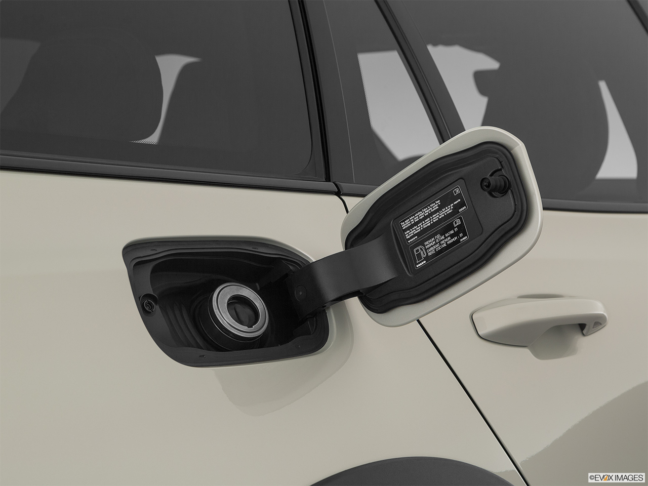 2020 Volvo V60 Cross Country T5 AWD Gas cap open.