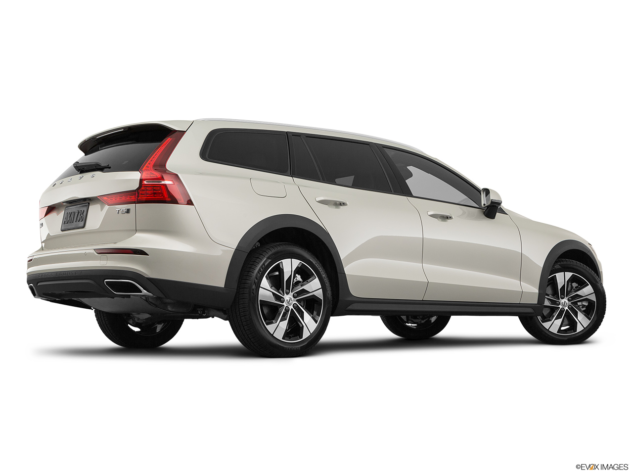 2020 Volvo V60 Cross Country T5 AWD Low/wide rear 5/8.
