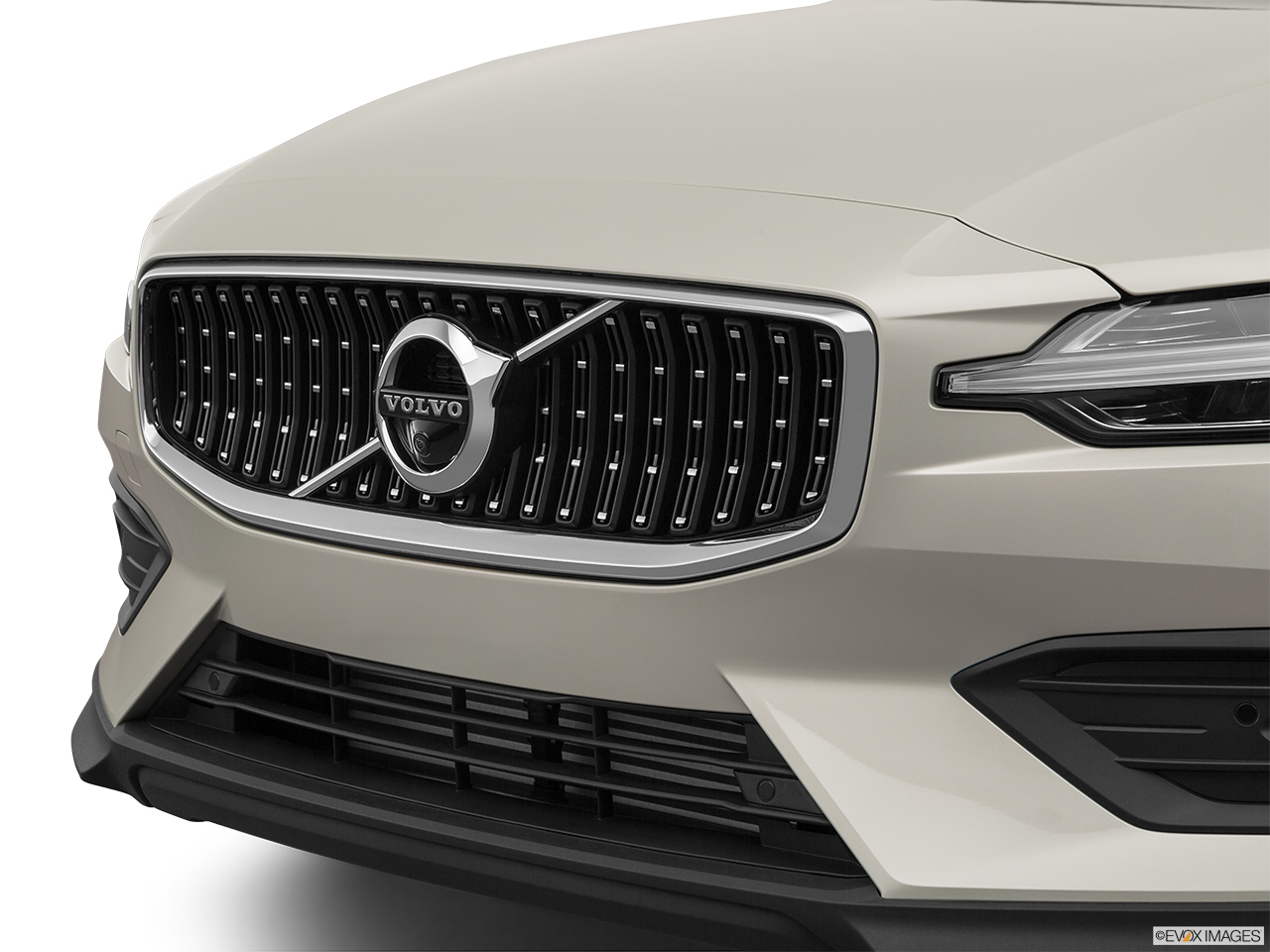 2020 Volvo V60 Cross Country T5 AWD Close up of Grill.