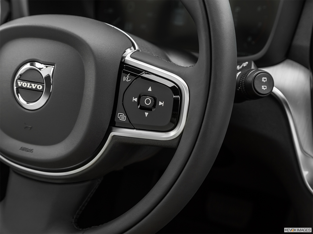 2020 Volvo V60 Cross Country T5 AWD Steering Wheel Controls (Right Side)