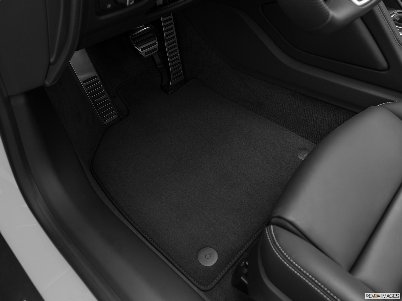 2020 Audi R8 Spyder V10 Driver's floor mat and pedals. Mid-seat level from outside looking in.