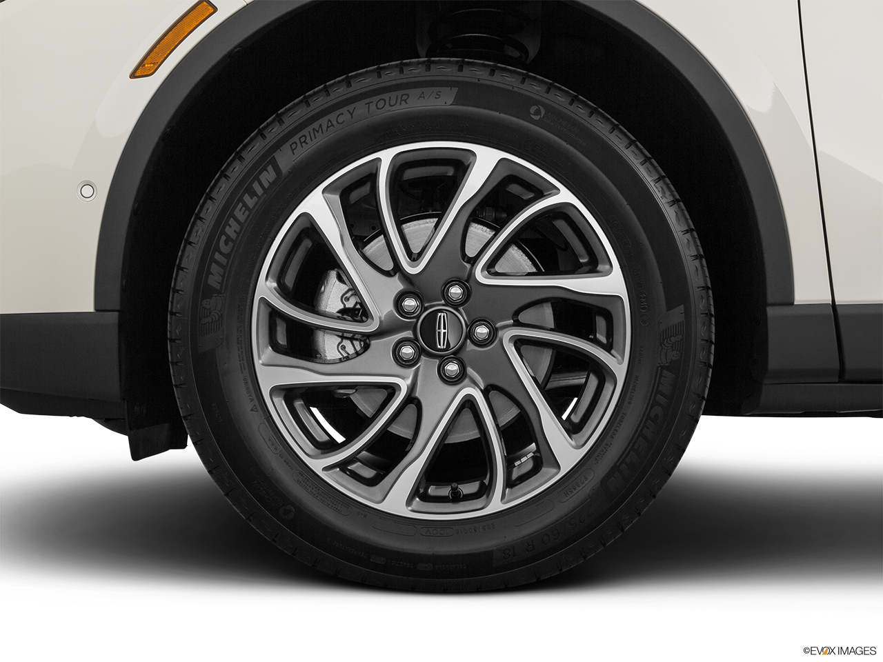 2020 Lincoln Corsair Standard Front Drivers side wheel at profile.