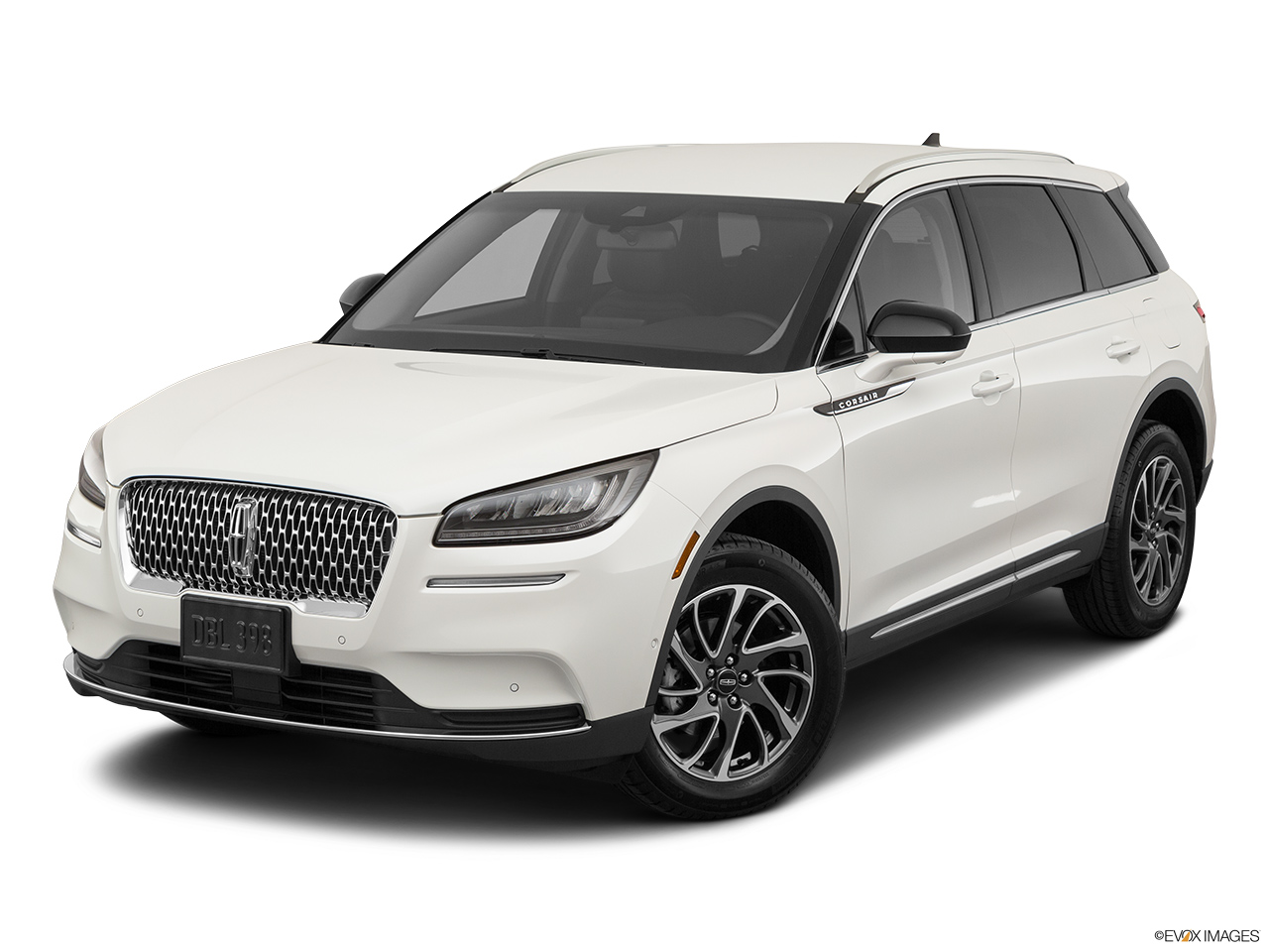 2020 Lincoln Corsair Standard Front angle view.