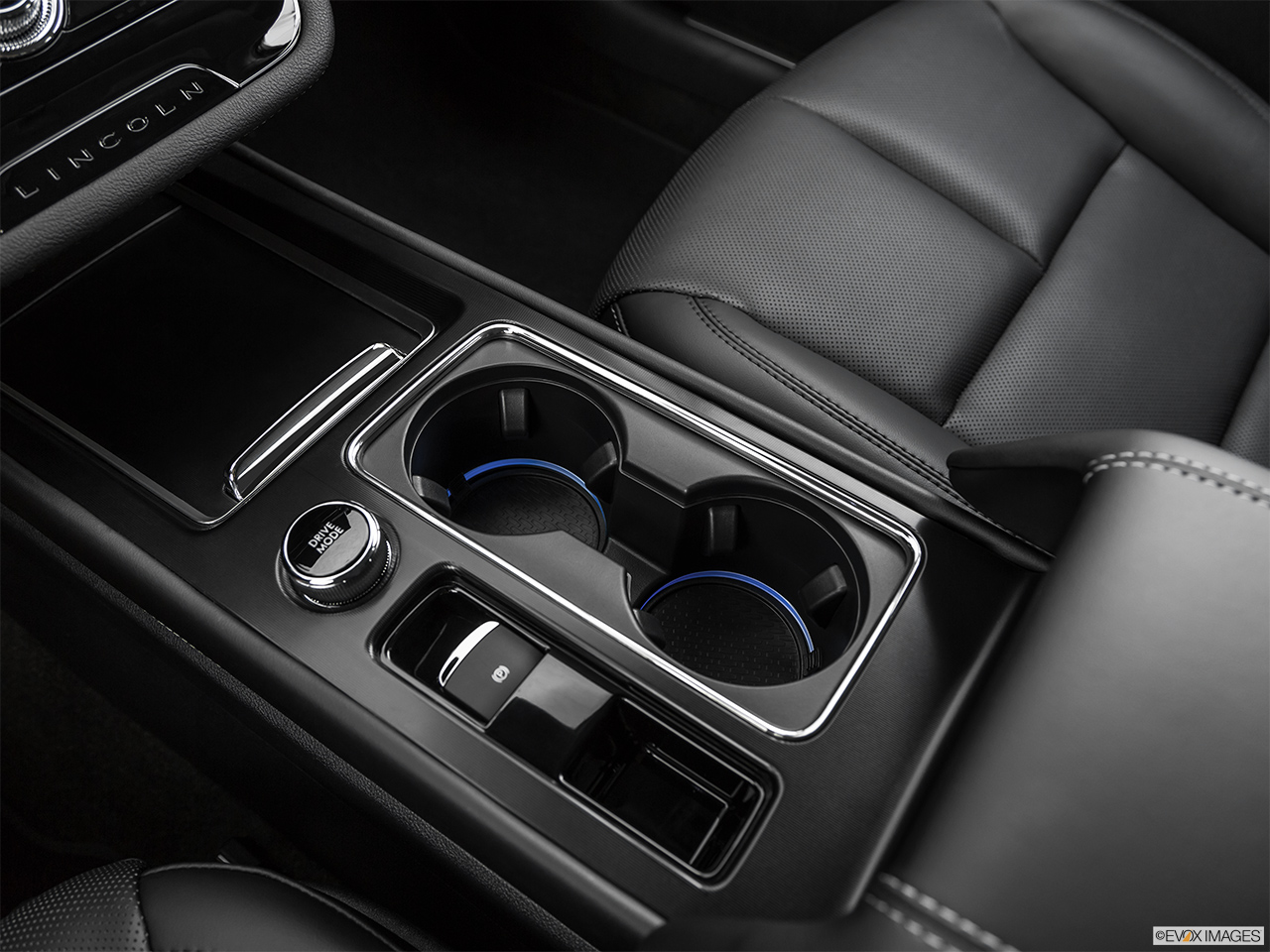 2020 Lincoln Corsair Standard Cup holders.