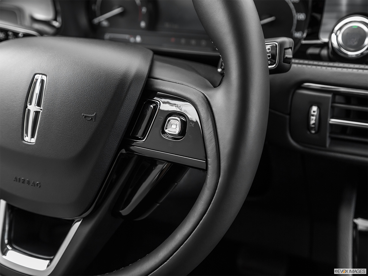2020 Lincoln Corsair Standard Steering Wheel Controls (Right Side)