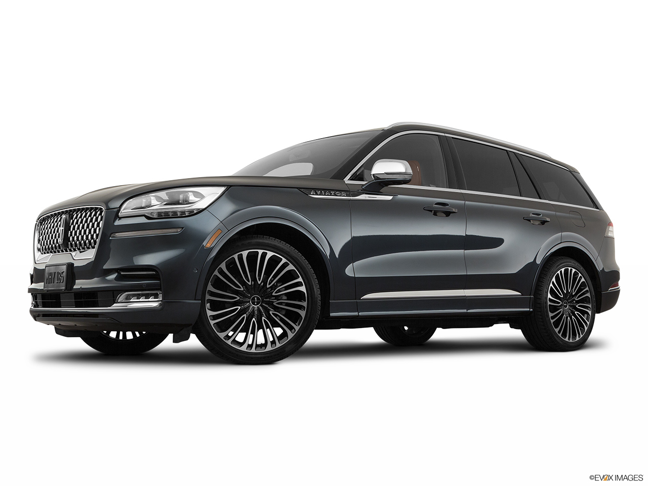2020 Lincoln Aviator Black Label Low/wide front 5/8.