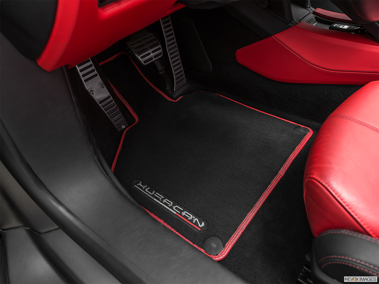 2019 Lamborghini Huracan Spyder LP580-2S Driver's floor mat and pedals. Mid-seat level from outside looking in.