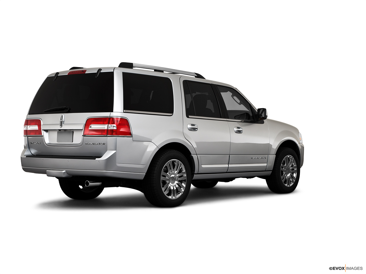 2021 Lincoln Navigator  Rear Quarter