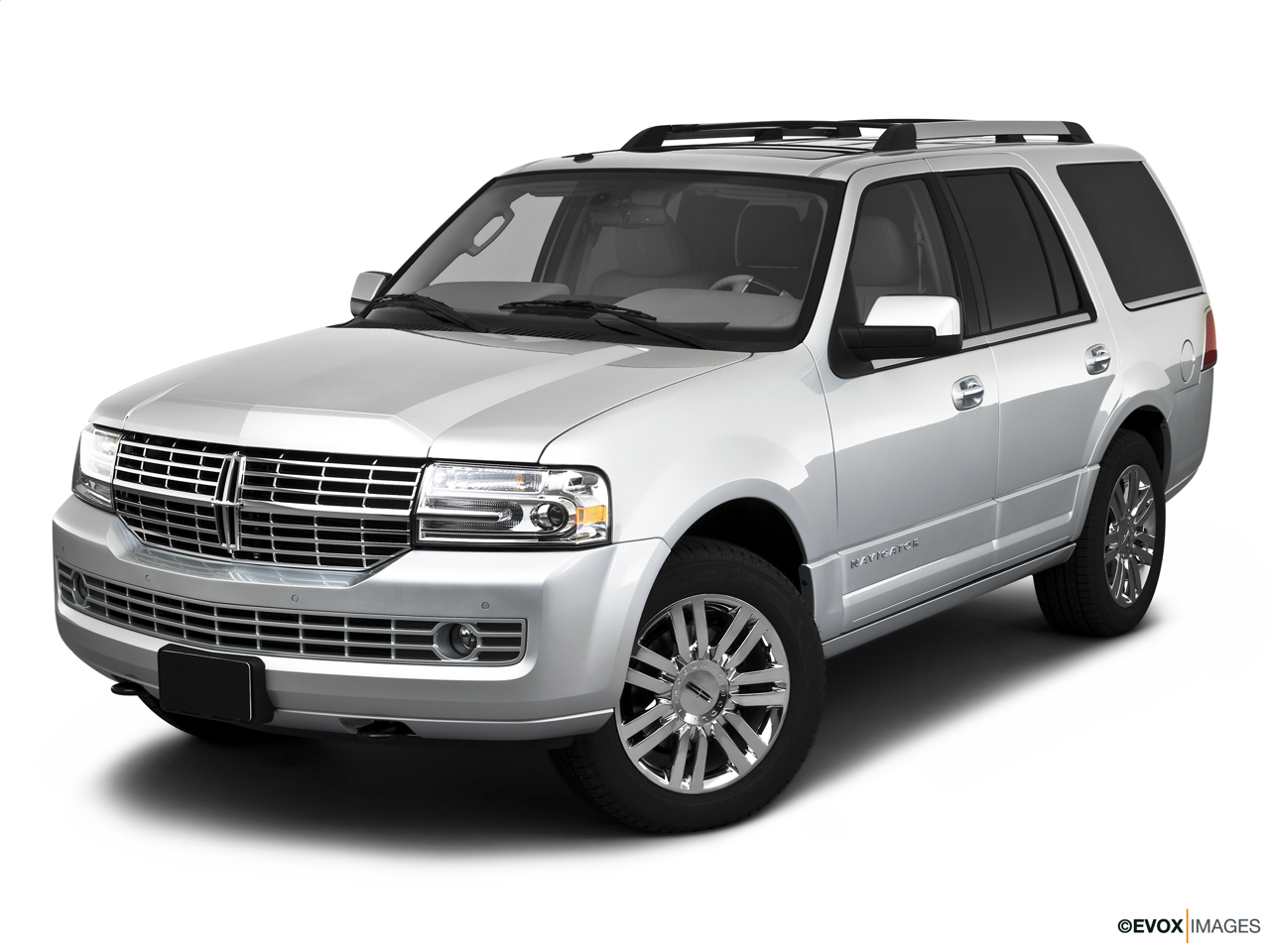 2010 Lincoln Navigator Base Front angle view.