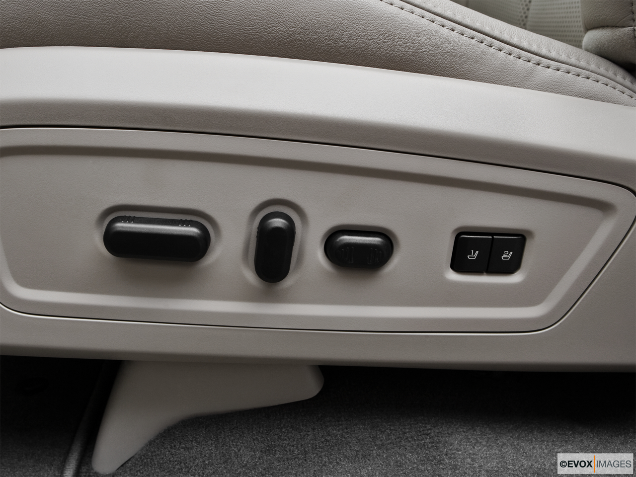 2010 Lincoln Navigator Base Seat Adjustment Controllers.