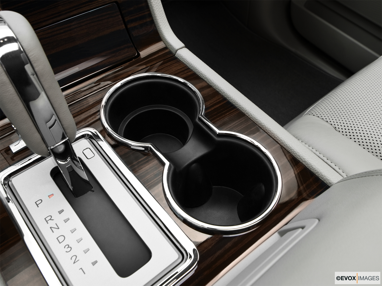 2010 Lincoln Navigator Base Cup holders.