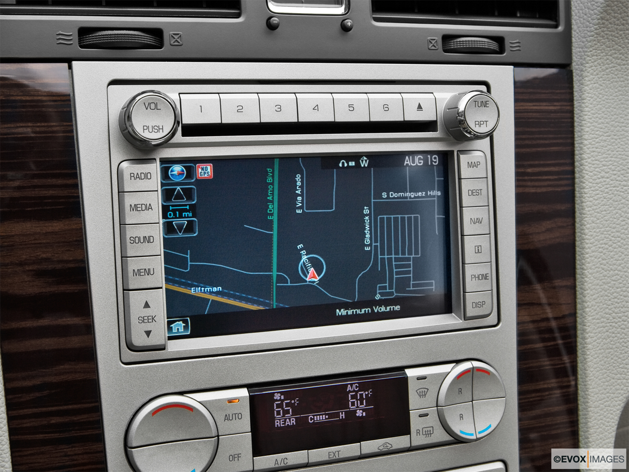 2010 Lincoln Navigator Base Driver position view of navigation system.