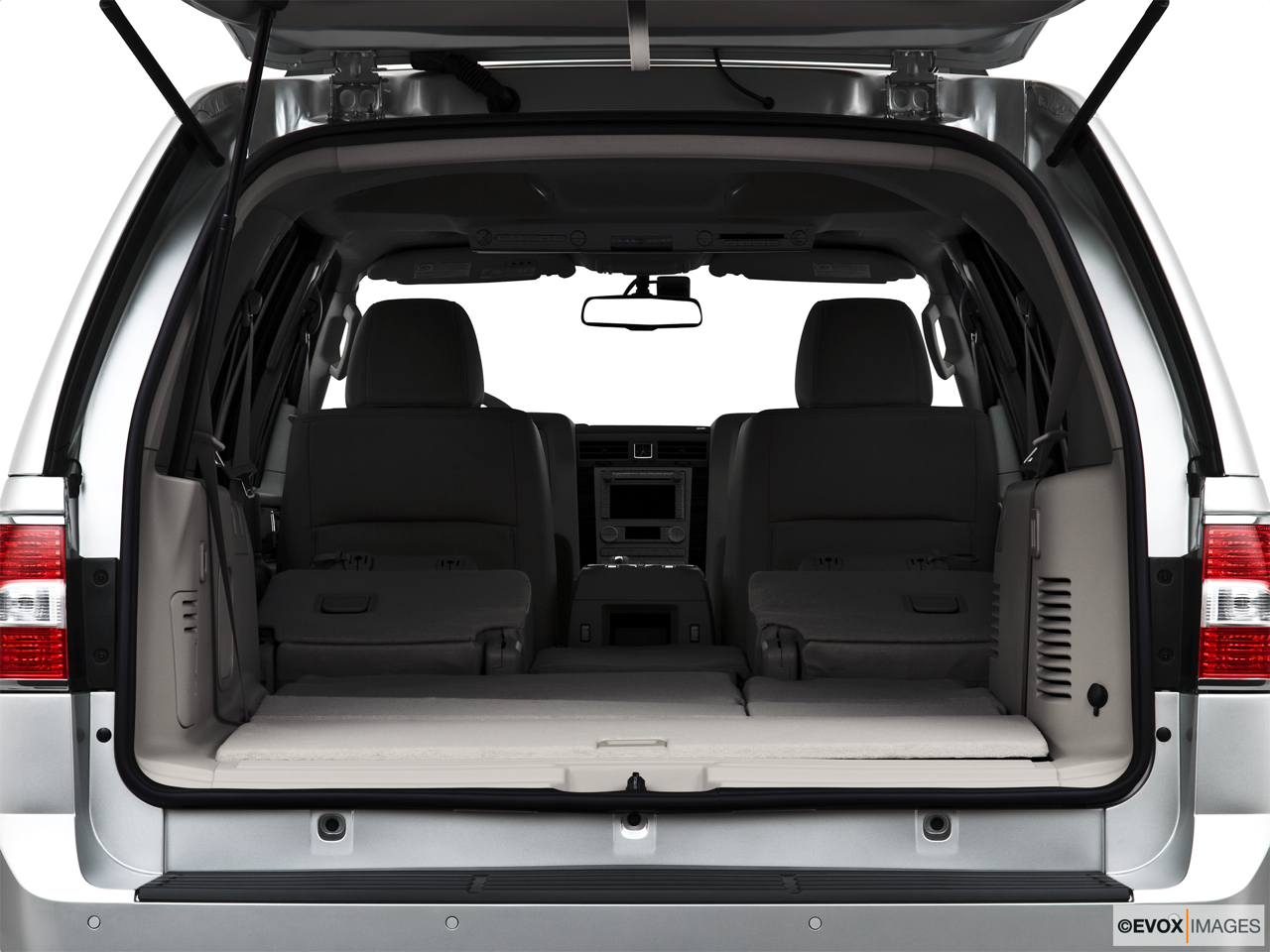 2010 Lincoln Navigator Base Hatchback & SUV rear angle.