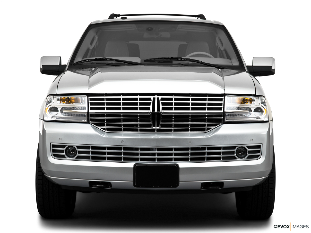 2010 Lincoln Navigator Base Low/wide front.