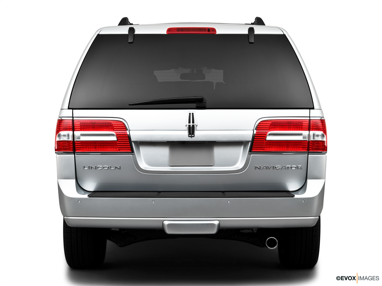 2010 Lincoln Navigator Base Low/wide rear.