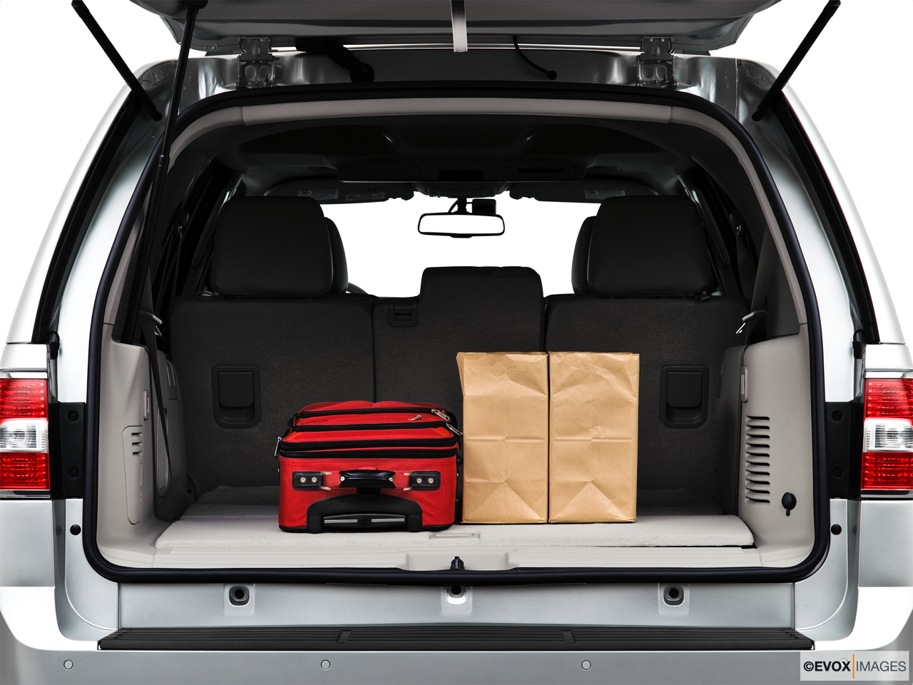 2010 Lincoln Navigator Base Trunk props.