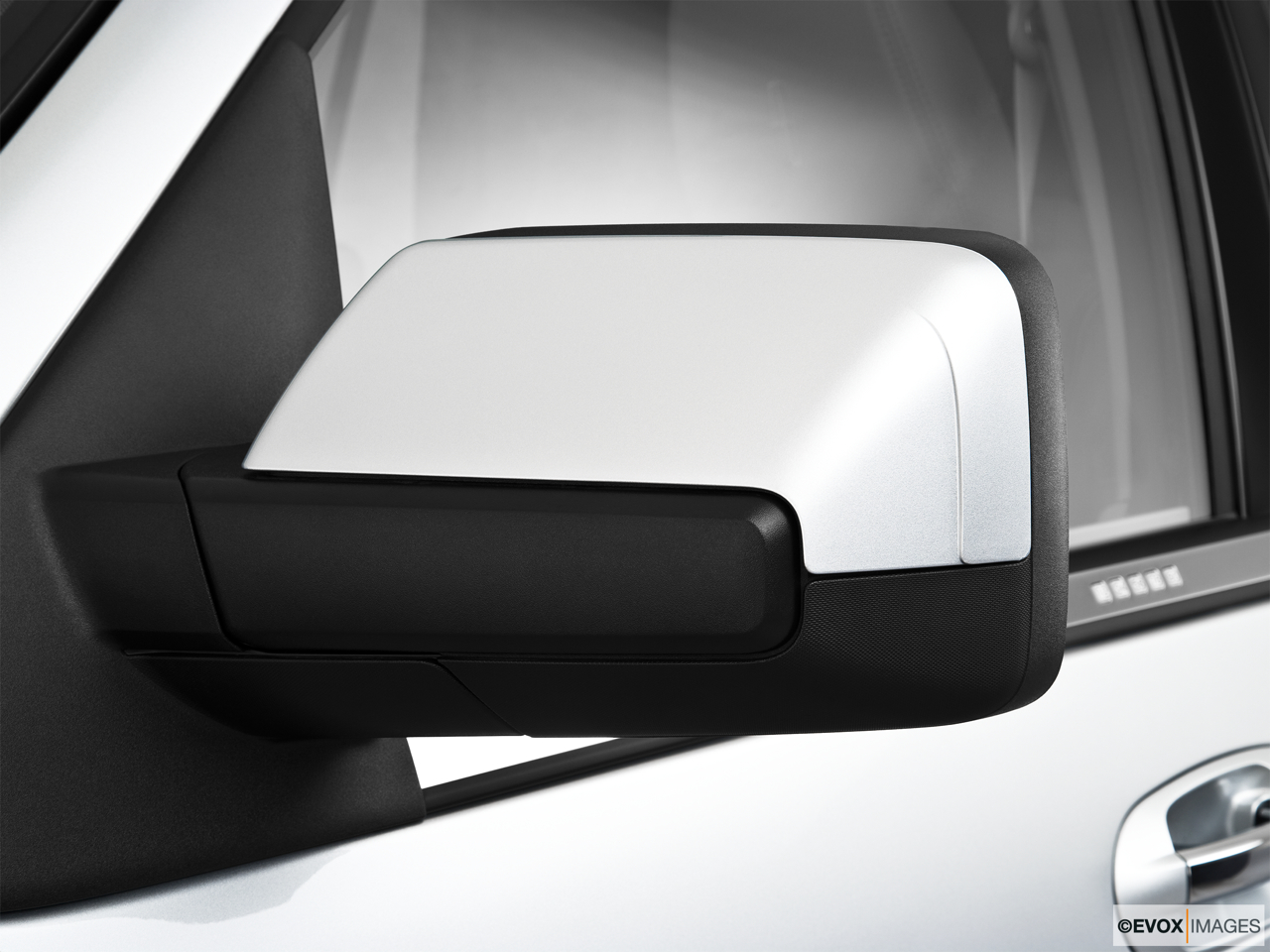2010 Lincoln Navigator Base Driver's side mirror, 3_4 rear