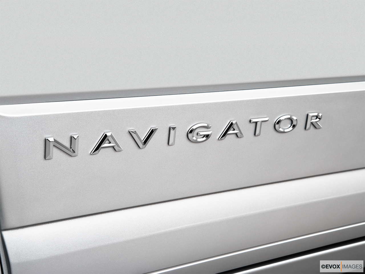 2010 Lincoln Navigator Base Rear model badge/emblem