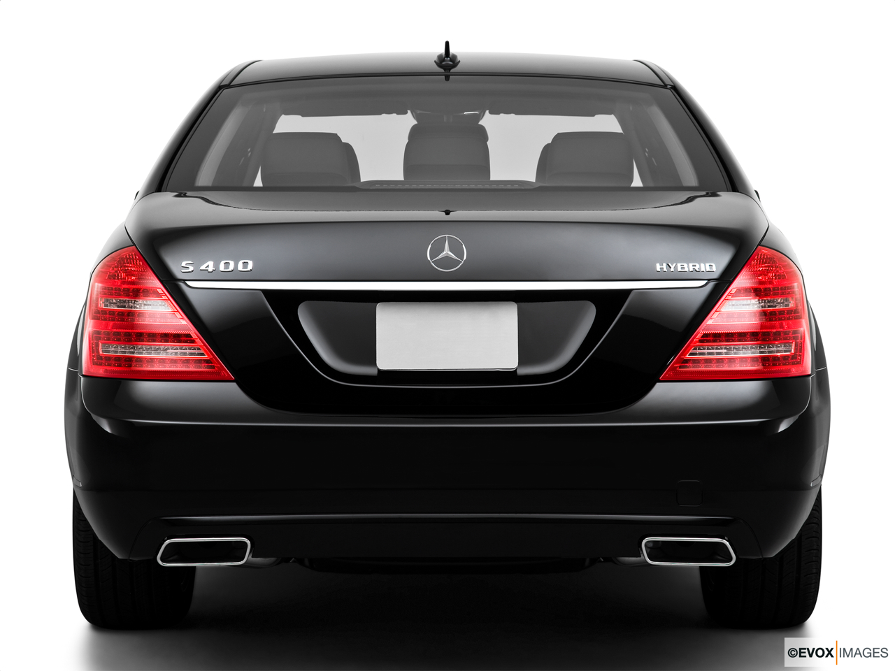 2010 Mercedes-Benz S-Class Hybrid S400 Low/wide rear.