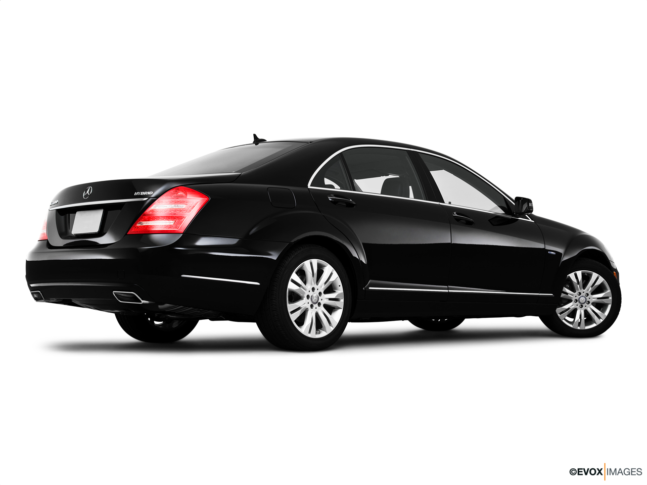 2010 Mercedes-Benz S-Class Hybrid S400 Low/wide rear 5/8.