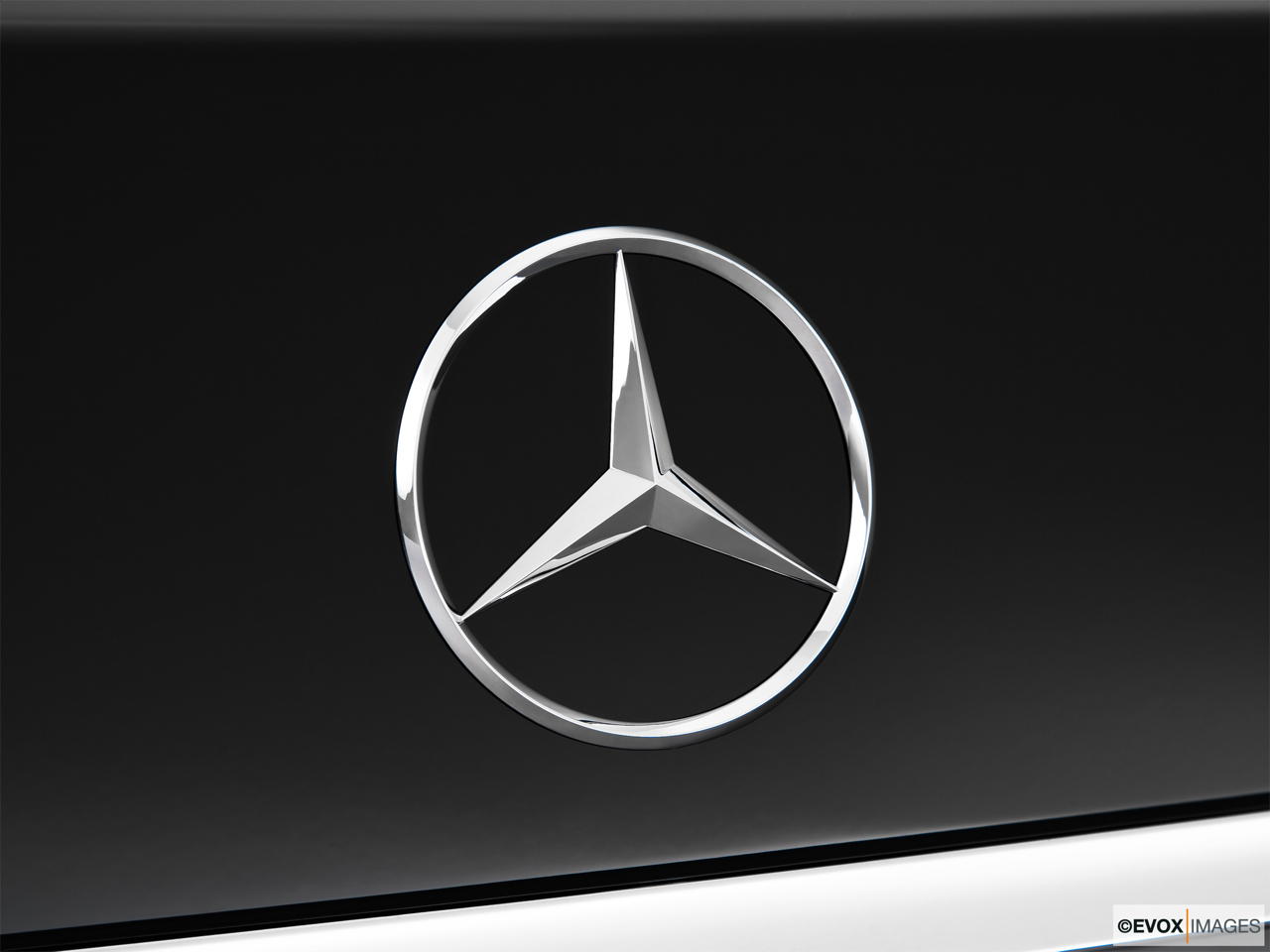 2010 Mercedes-Benz S-Class Hybrid S400 Rear manufacture badge/emblem
