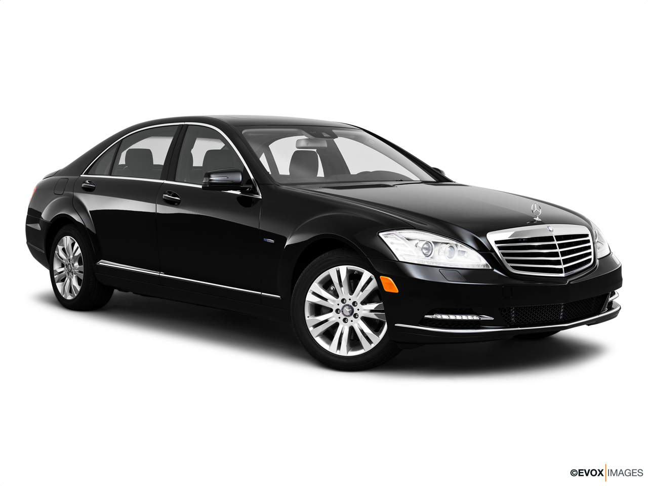 2010 Mercedes-Benz S-Class Hybrid S400 Front passenger 3/4 w/ wheels turned.