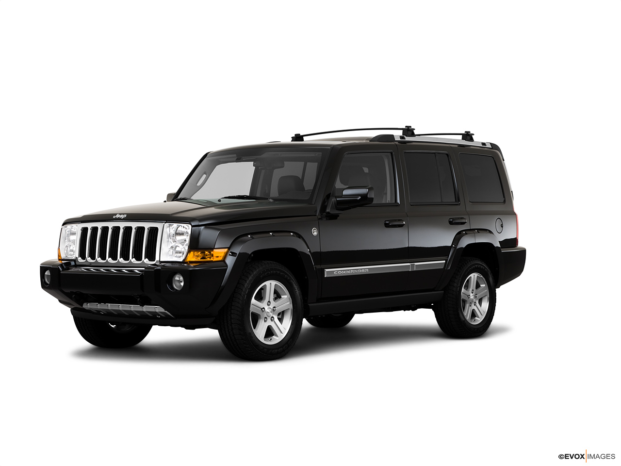 2021 Jeep Commander  Front Quarter