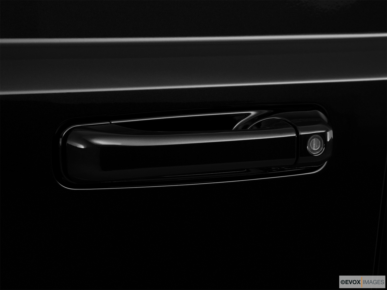 2010 Jeep Commander Limited Drivers Side Door handle.