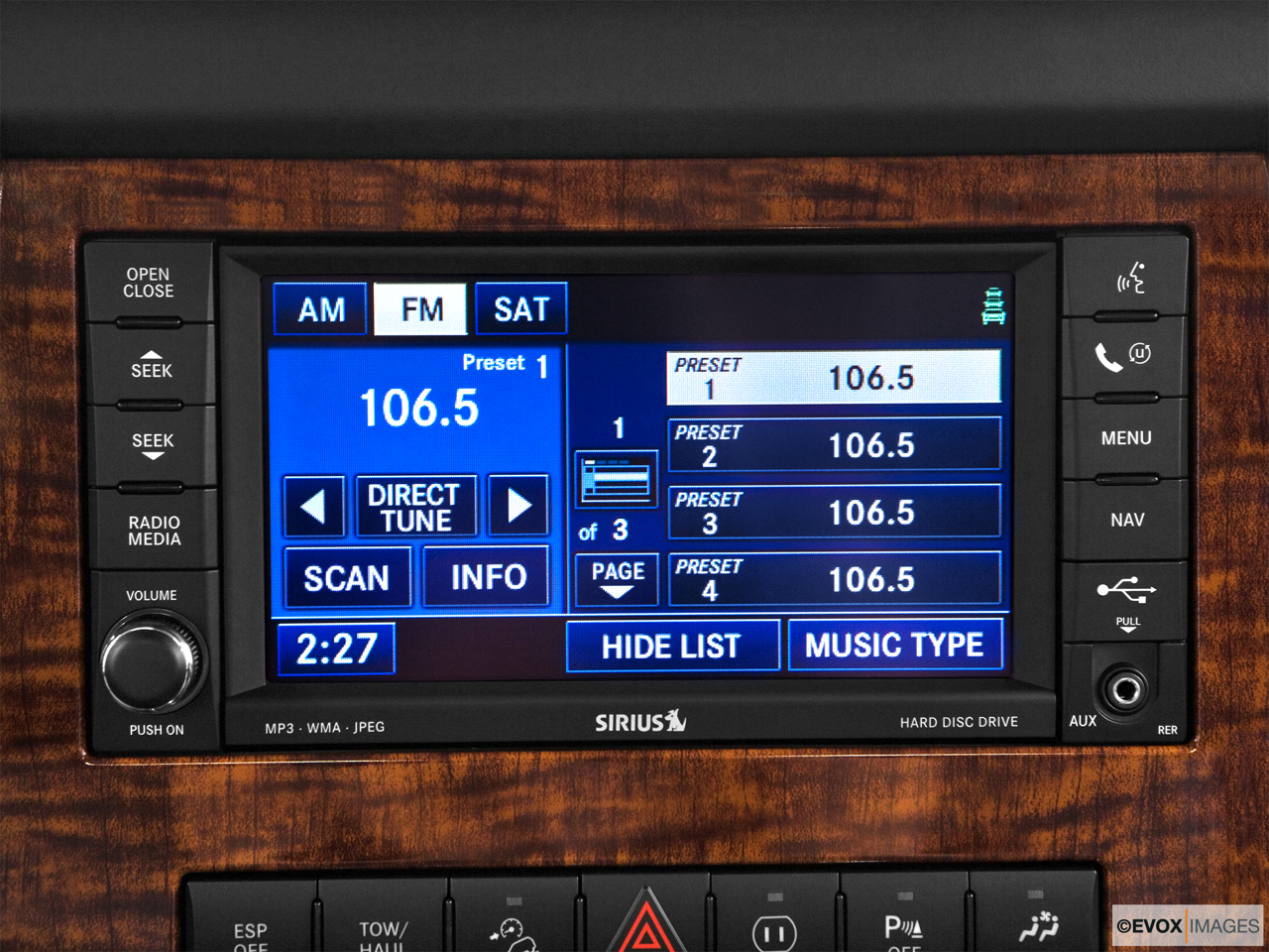 2010 Jeep Commander Limited Closeup of radio head unit