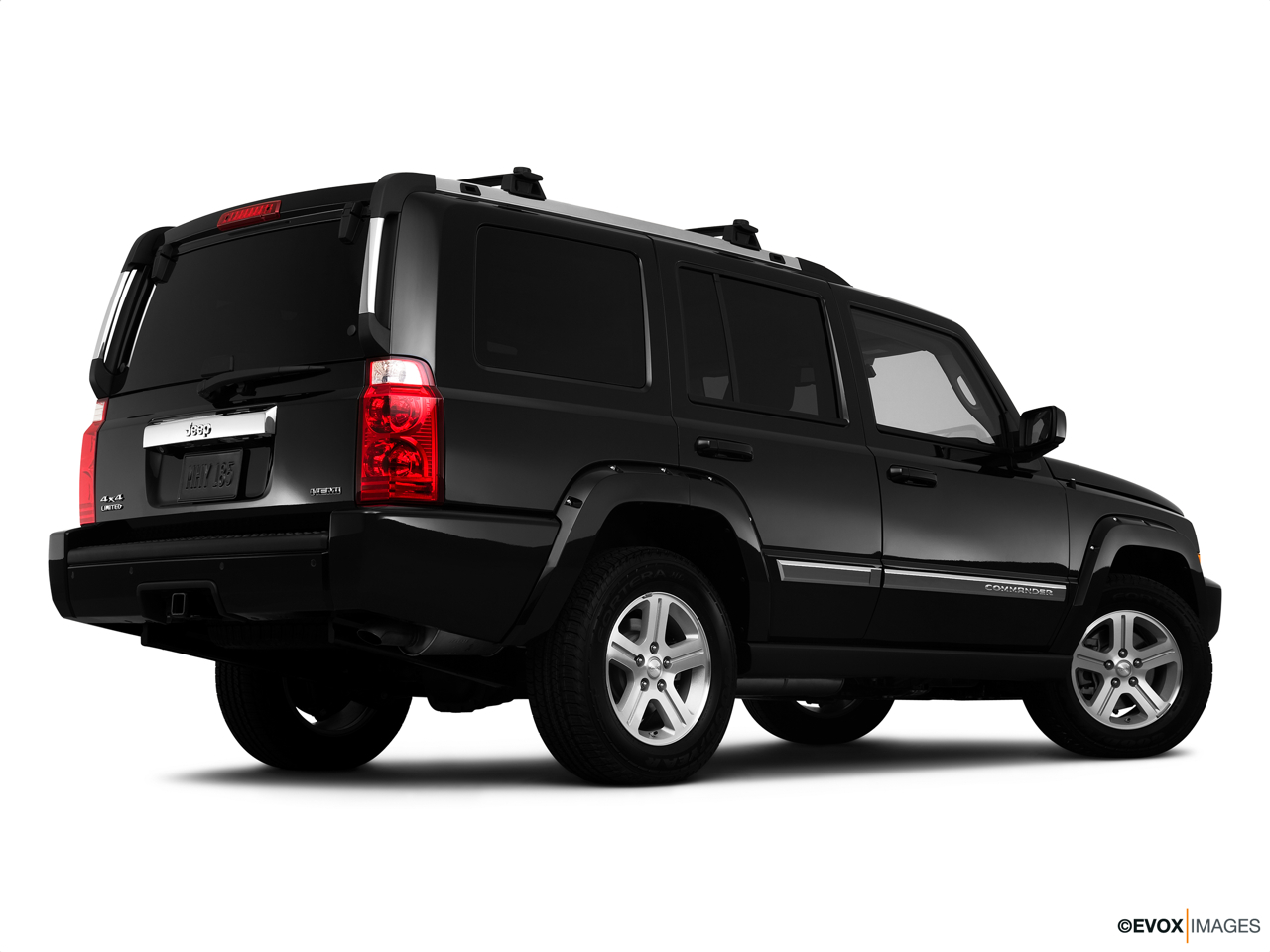 2010 Jeep Commander Limited Low/wide rear 5/8.