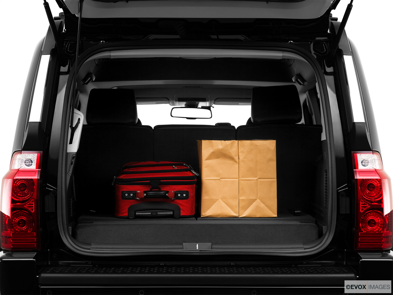 2010 Jeep Commander Limited Trunk props.