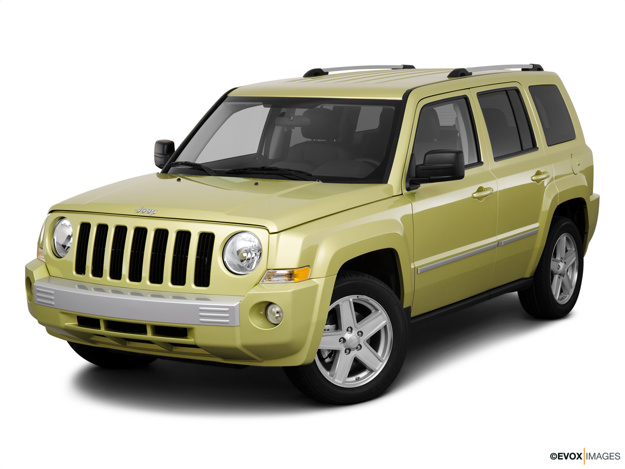 2010 Jeep Patriot Limited Front angle view.