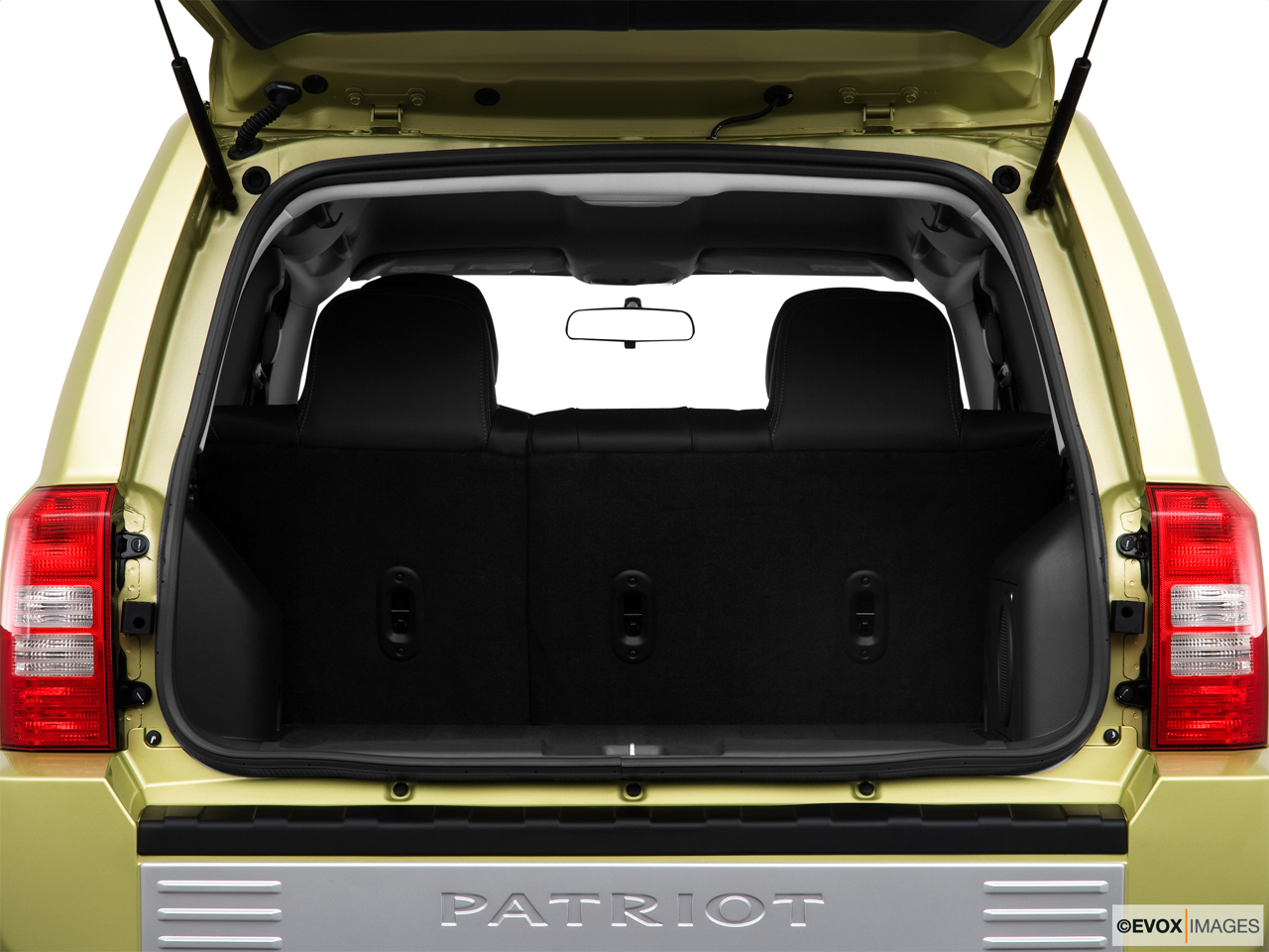 2010 Jeep Patriot Limited Trunk open.