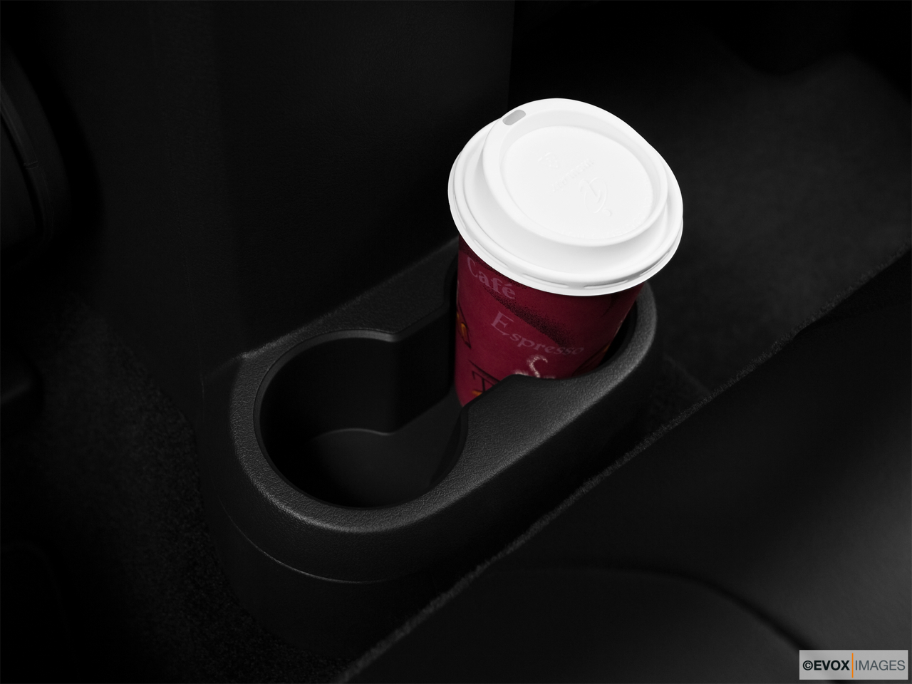 2010 Jeep Patriot Limited Cup holder prop (quaternary).