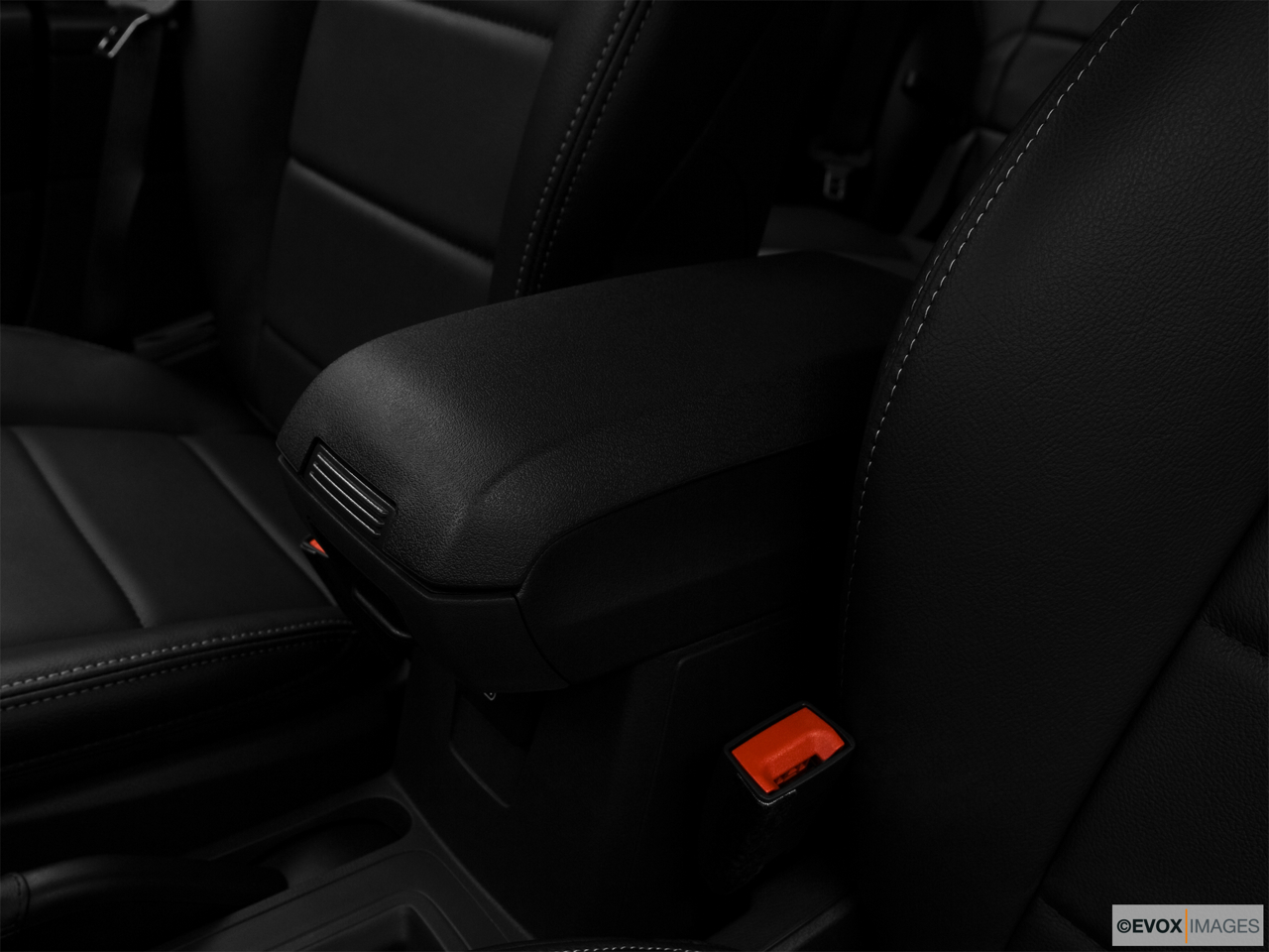 2010 Jeep Patriot Limited Front center console with closed lid, from driver's side looking down