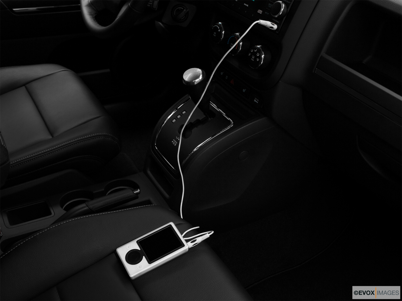 2010 Jeep Patriot Limited Zune and auxiliary jack