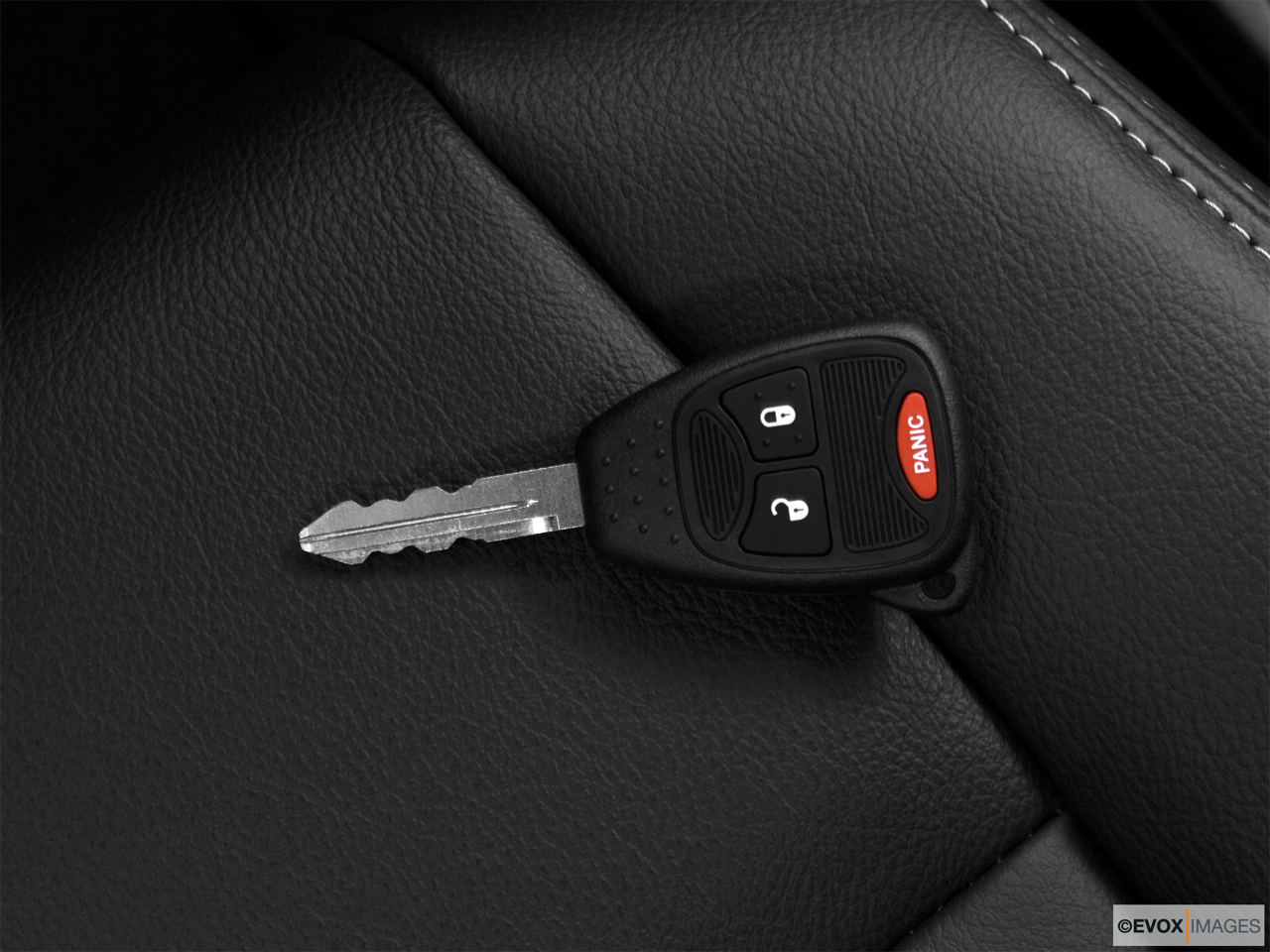 2010 Jeep Patriot Limited Key fob on driver's seat.