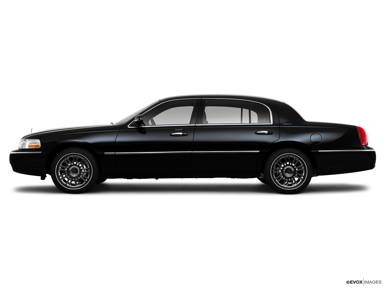 2021 Lincoln Town Car   Side