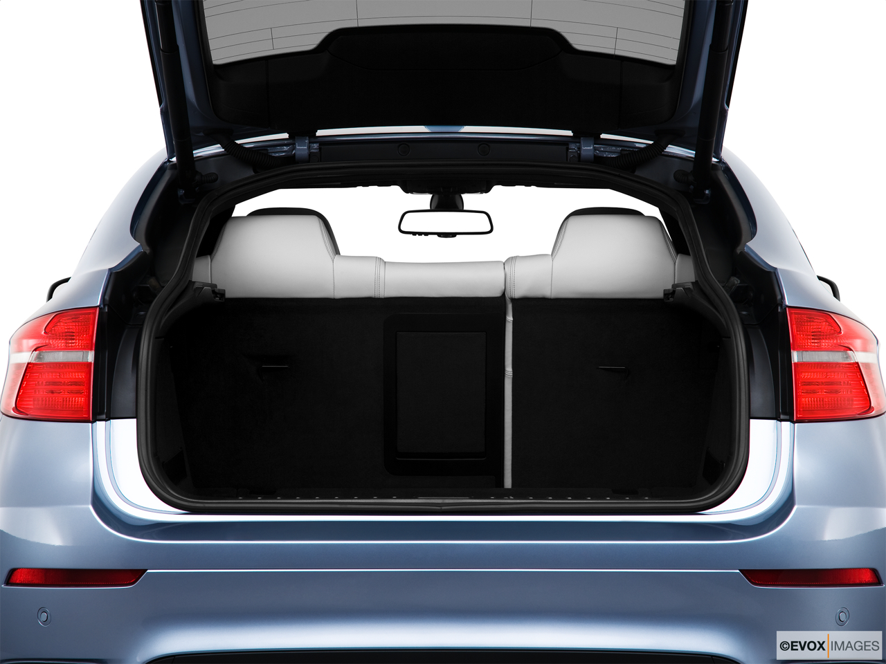 2010 BMW X6 Hybrid Base Trunk open.
