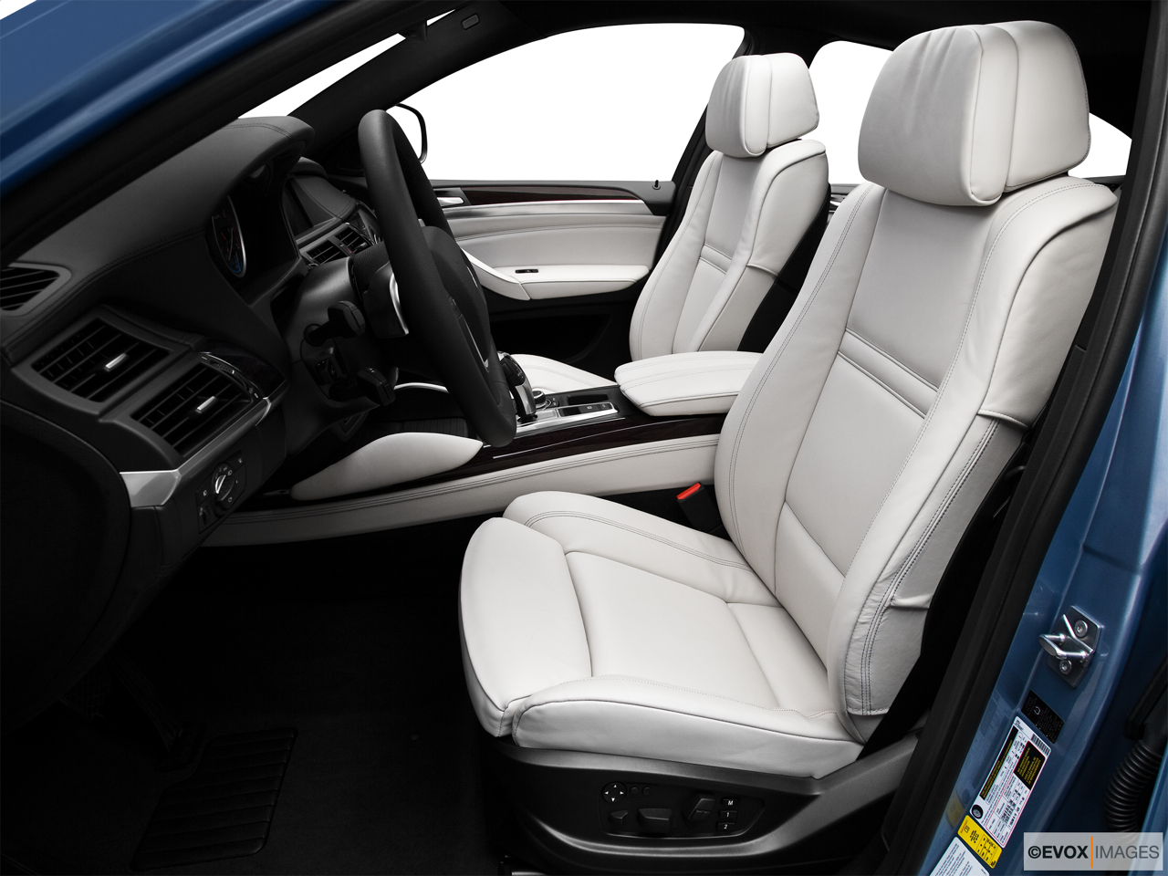 2010 BMW X6 Hybrid Base Front seats from Drivers Side.
