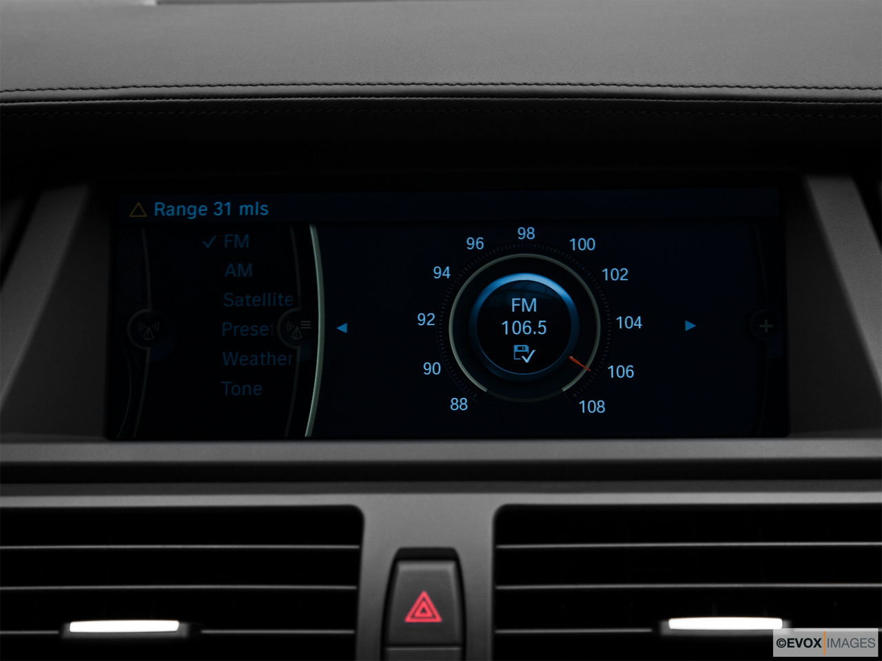 2010 BMW X6 Hybrid Base Closeup of radio head unit