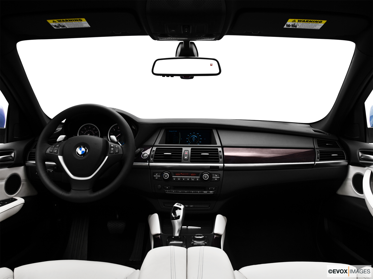 2010 BMW X6 Hybrid Base Centered wide dash shot