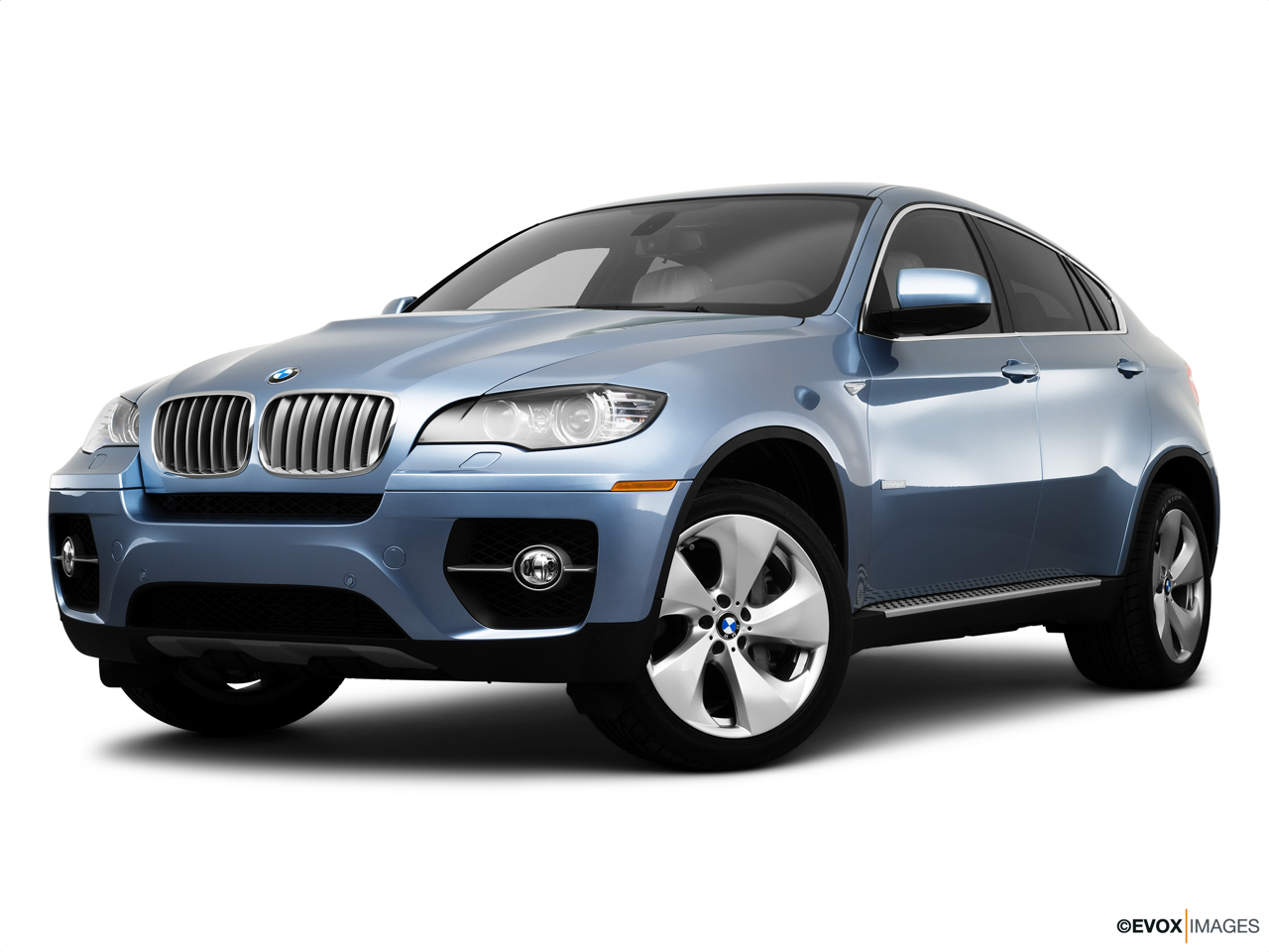 2010 BMW X6 Hybrid Base Front angle medium view.