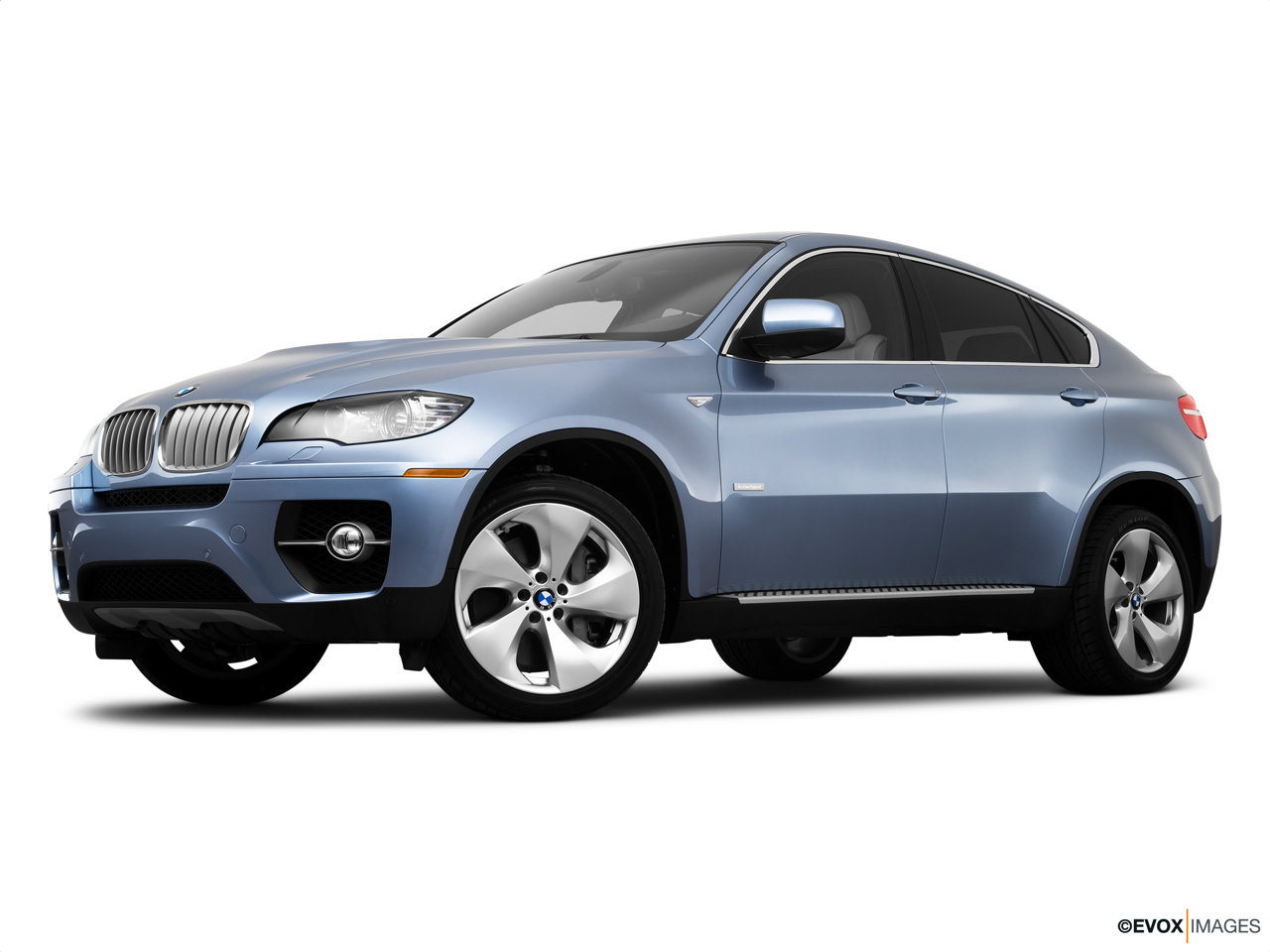 2010 BMW X6 Hybrid Base Low/wide front 5/8.