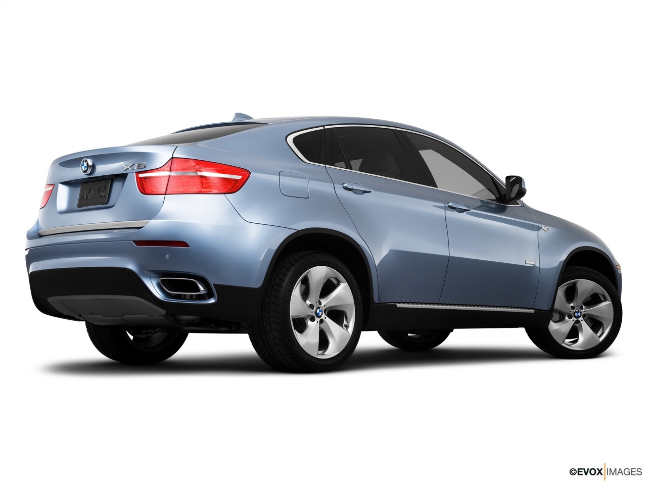 2010 BMW X6 Hybrid Base Low/wide rear 5/8.