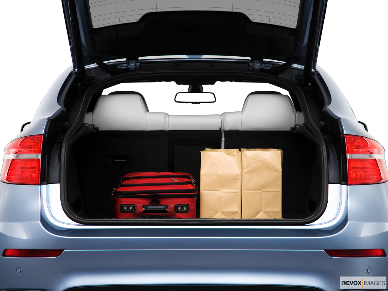 2010 BMW X6 Hybrid Base Trunk props.