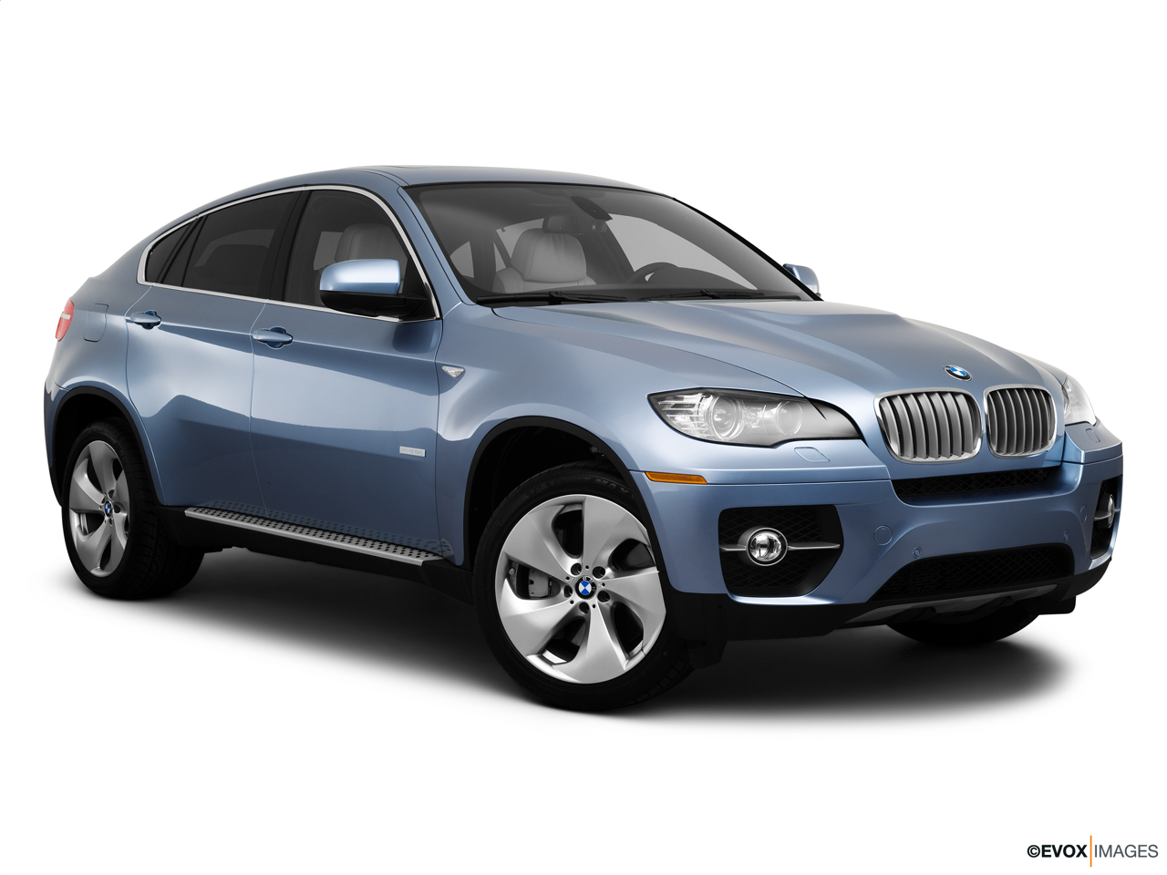 2010 BMW X6 Hybrid Base Front passenger 3/4 w/ wheels turned.