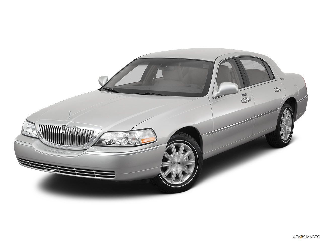 2011 Lincoln Town Car Signature Limited Front angle view.