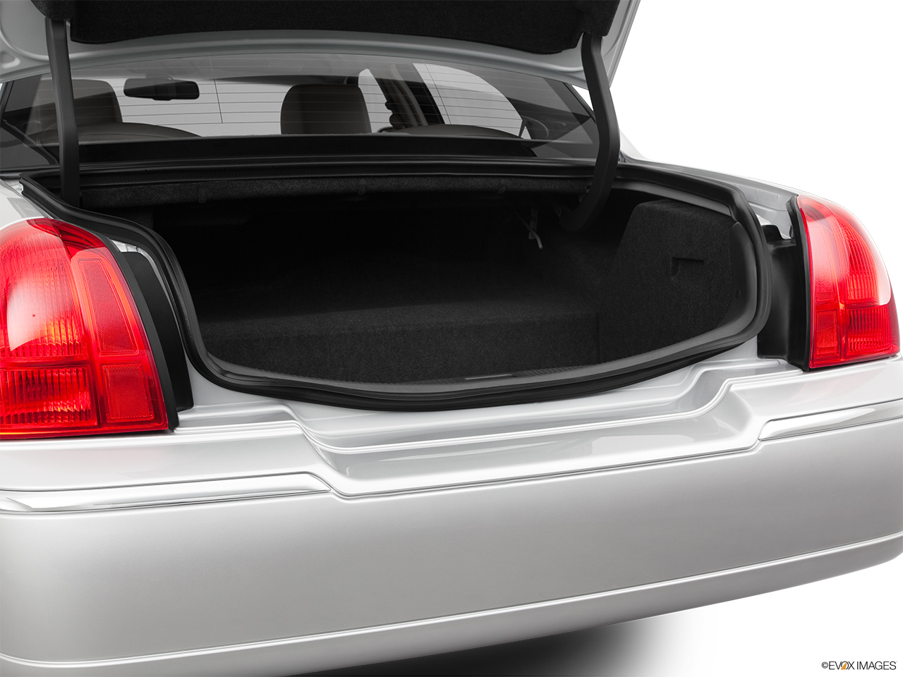 2011 Lincoln Town Car Signature Limited Trunk open.